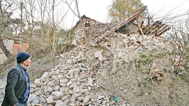 Manisa ve Ankara'daki depremleri uzmanlar AKŞAM'a değerlendirdi: Tehlike sürüyor, İstanbul'u etkilemez