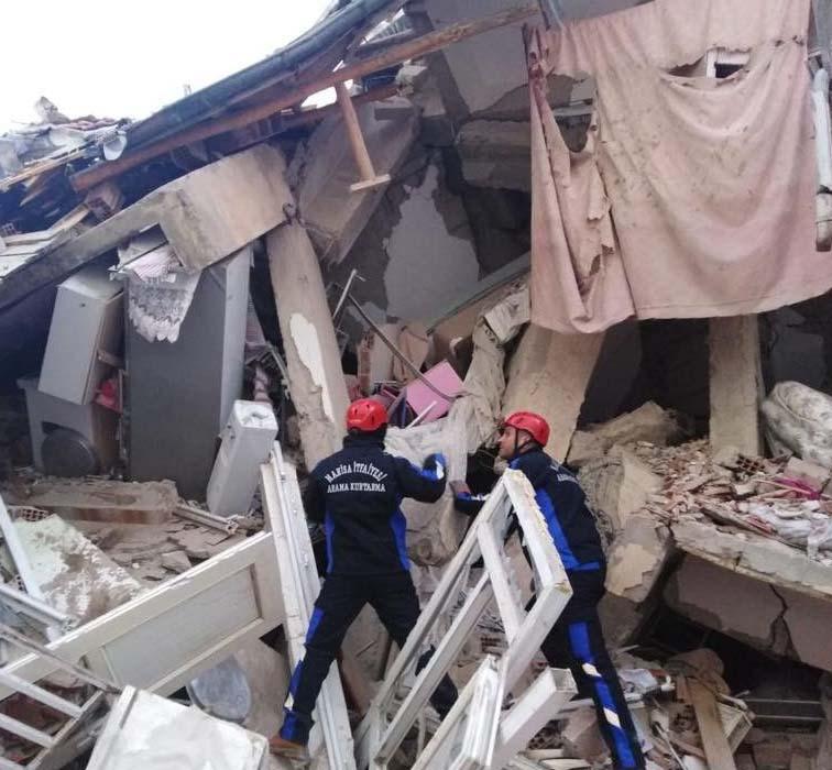 Konyasporlu taraftarlardan Elazığ'daki deprem mağdurlarına yardım