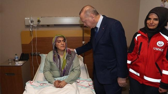 Başkan Erdoğan deprem bölgesinde yaralıları ziyaret etti