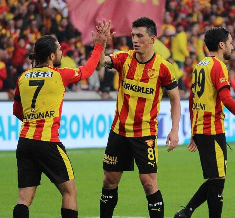 Göztepe, yeni stadının açılış maçında Beşiktaş'ı mağlup etti