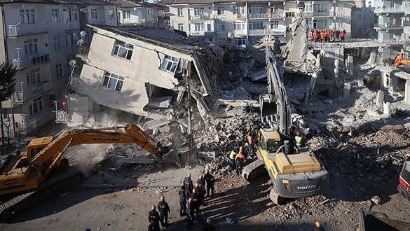 Elazığ'daki depremde hayatını kaybedenlerin sayısı 41'e yükseldi