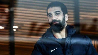 Galatasaray'a transferi gerçekleşmeyen Arda Turan, Antalyaspor'un teklifine sıcak bakıyor