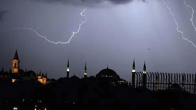 İstanbul Valiliği'nden fırtına uyarısı! Hızı 80 km'yi bulacak