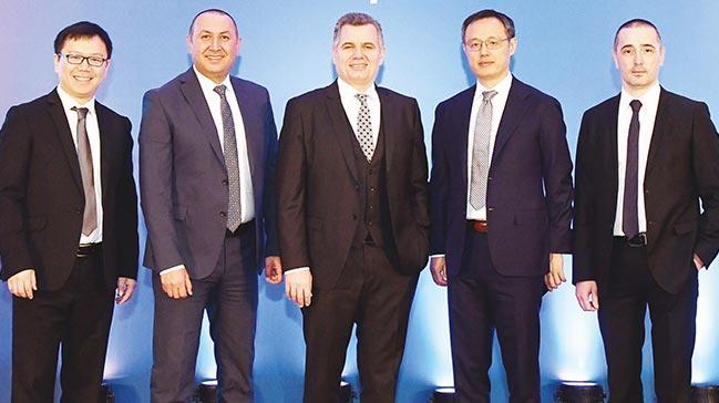 Turkcell ve Huawei 1 milyon 'Google'sız telefon satacak
