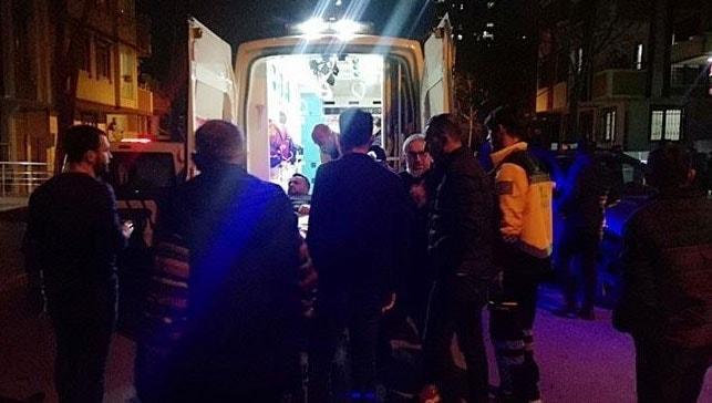 Beylikdüzü'nde sokak ortasında bir kişiye ve aracına silahlı saldırı