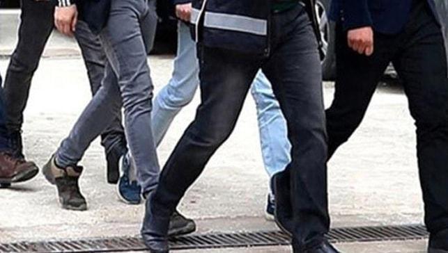 Antalya'da vatandaşları banka hesaplarıyla tehdit ve darp eden şüpheliler yakalandı