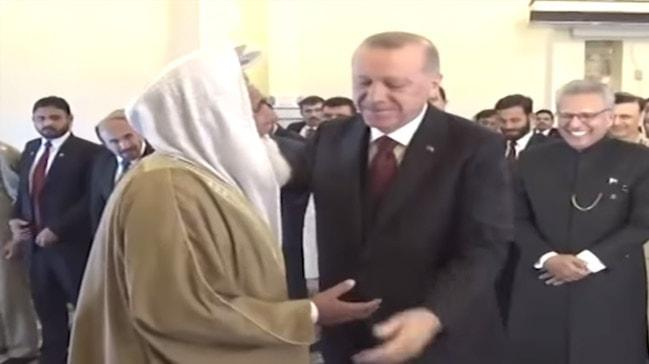 Pakistanlı imamın Başkan Erdoğan'a 'siz kıldırın' ısrarı