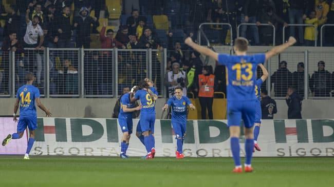 Fenerbahçe, Başkent deplasmanında Ankaragücü'ne mağlup oldu