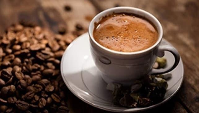 'Hamilelikte kahve tüketimi miktardan bağımsız olarak lösemi riskini artırıyor'