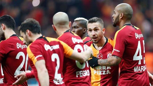 Galatasaray, Yeni Malatyaspor'u mağlup etti ve ligde oynadığı son 6 maçı kazanmayı bildi