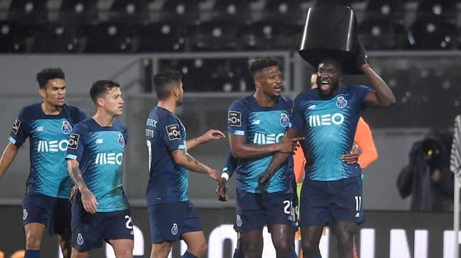 Portolu golcü Marega ırkçılığa tepki göstererek sahayı terk etti