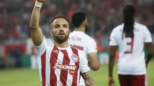 Mathieu Valbuena Olympiakos'la sözleşme yeniliyor
