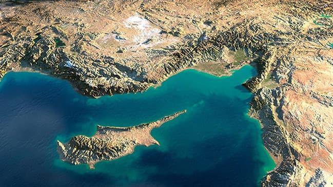 Rum medyasından flaş iddia: Doğu Akdeniz, ABD'ye ait casus uçaklarla dolu... Yavuz'u gözlüyorlar!