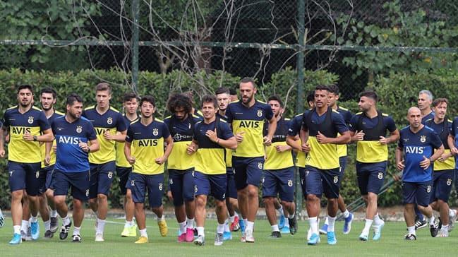 Fenerbahçe'den derbi öncesi sürpriz takım yemeği