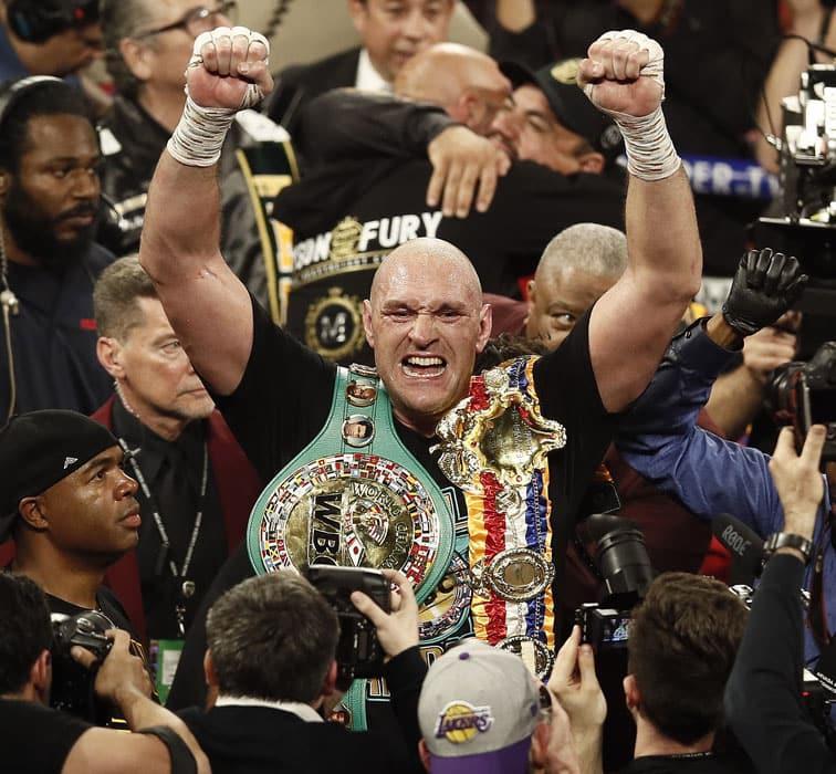 WBC Dünya Ağır Siklet Boks Şampiyonu Deontay Wilder'ı nakavt eden Tyson Fury oldu
