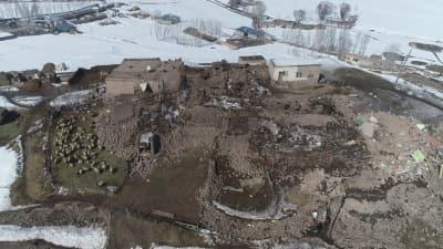 Deprem bölgesi havadan görüntülendi