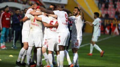 Sivasspor'a yeni otobüs için 2,5 milyon lira toplandı