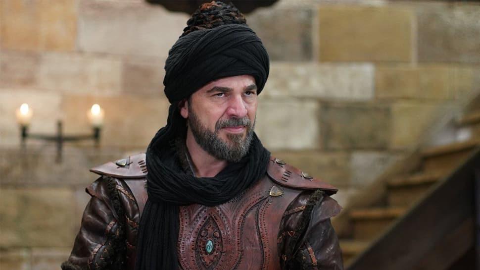 Kuruluş Osman'a beklenen Engin Altan Düzyatan'ı takipçileri yorum yağmuruna tuttu!