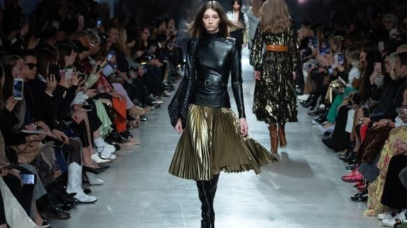 Paris Moda Haftasında öne çıkan tasarımlar