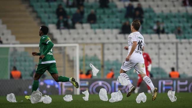Bursaspor - Altay maçında futbolcuların zor anları