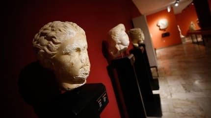 Antalya Müzesi'nde 48 yıldır sergileniyordu... O portre heykel Sappho çıktı!