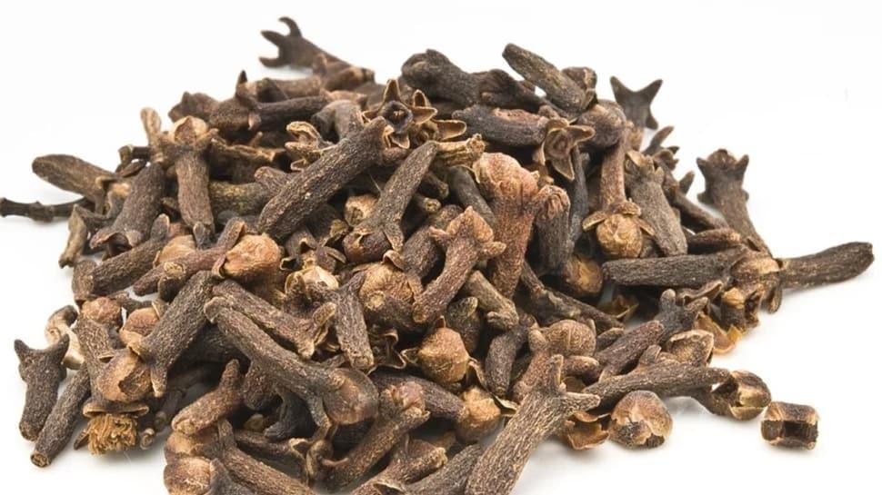 Bir fincan karanfil çayı ile gelen şifa! İşte karanfilin faydaları