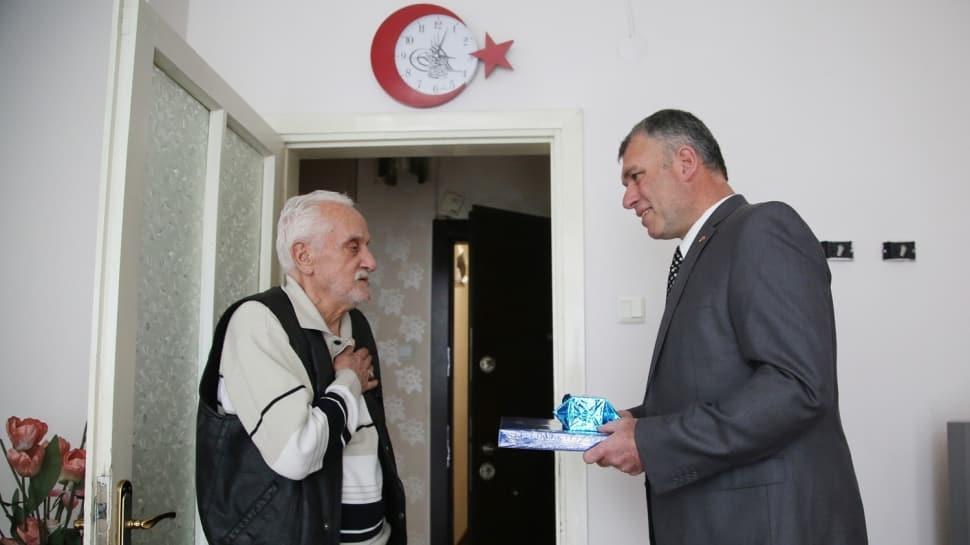 Görüntüler büyük tepki çekmişti... Polis, kötü davrandığı yaşlı adamdan özür diledi