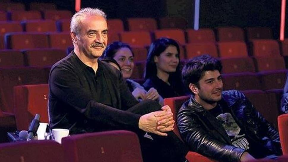 Çok Güzel Hareketler 2'de aşk itirafı! Yılmaz Erdoğan evleneceklerini oyunda öğrendi