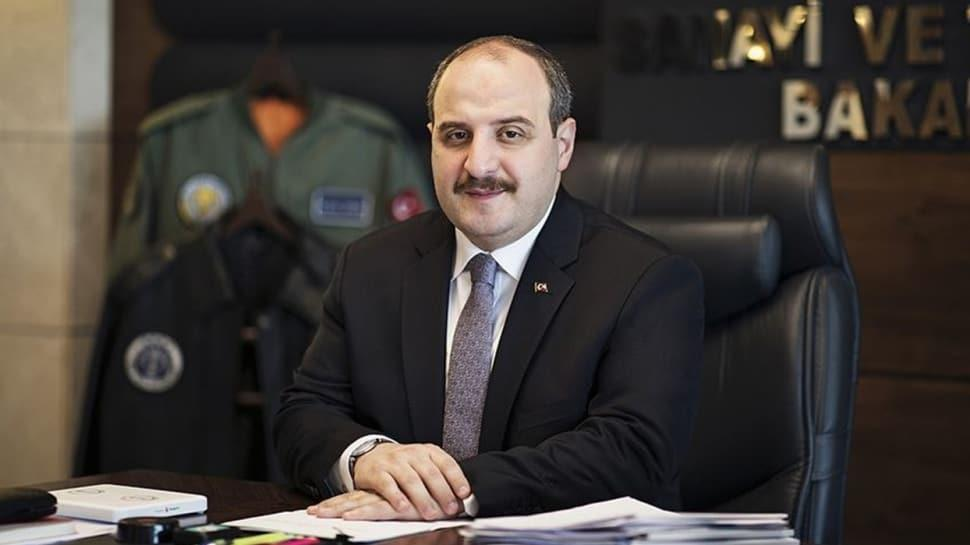 Bakanı Varank'tan 'evinde kalanlara' hediye
