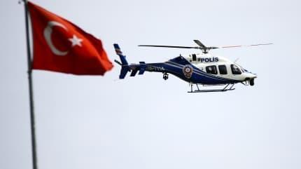 Adana'da polis havadan, karadan ve sudan 'evde kal' uyarısı yaptı