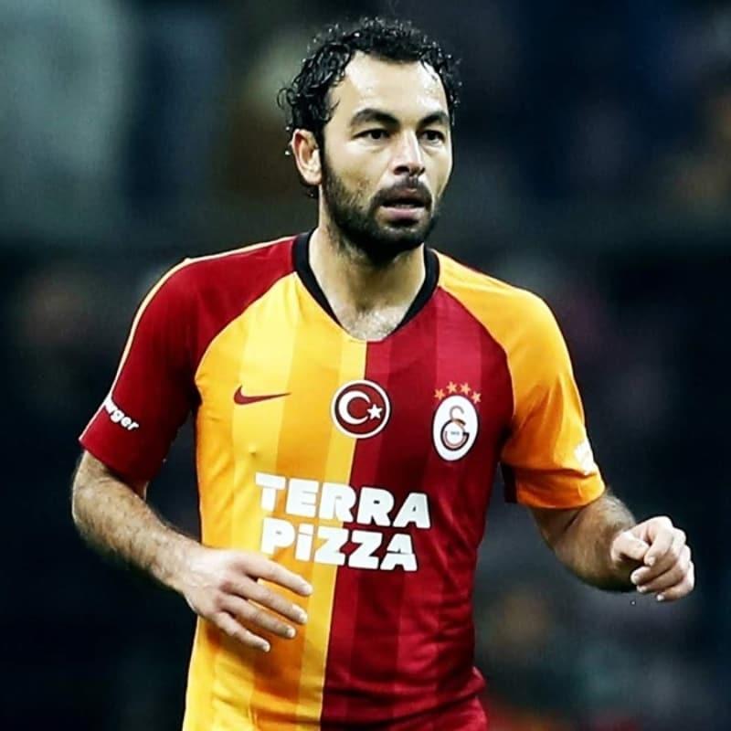 Galatasaray; Selçuk İnan, Yuto Nagatomo ve Şener Özbayraklı ile ayrılık kararı aldı