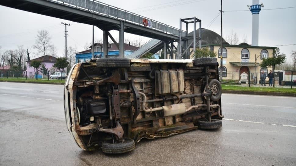 Samsun'da kaza: İneğe çarpmamak için direksiyonu kırdı, devrilerek durabildi