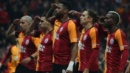 Galatasaray'da gözler futbolcularda! Maaş düşüşü yaşanacak mı?
