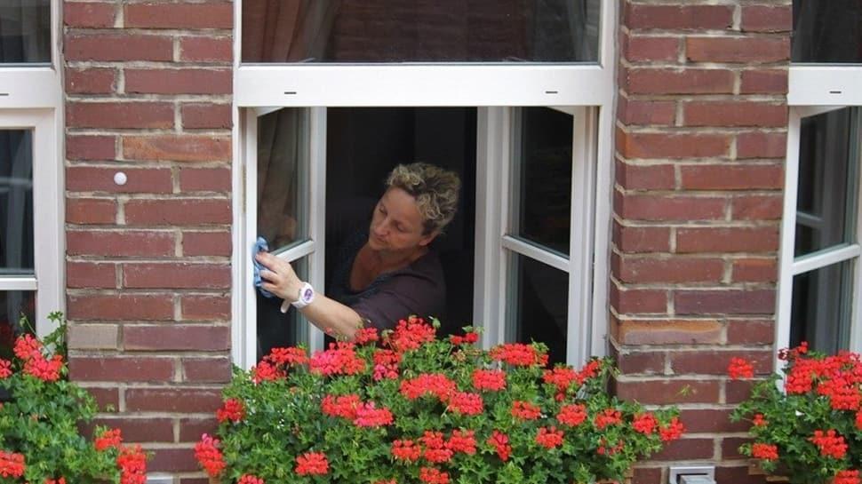 Cam silmenin 7 püf noktası!  Camları silerken iz bırakmayan yöntemler