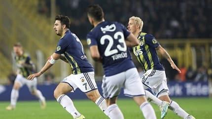 Fenerbahçe'de büyük sürpriz! İki yıldız yolcu