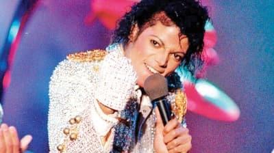 Michael Jackson'ın eldiveni 700 bin TL'ye gitti