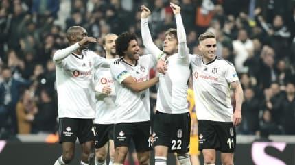 Beşiktaş'ın iki yıldızından yönetime şok çıkış