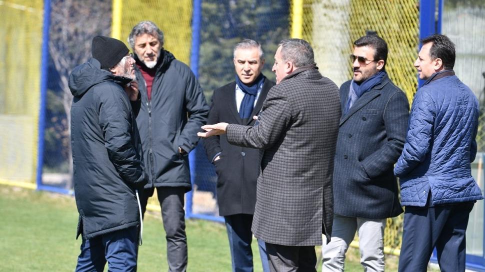 Ankaragücü'nde futbolcular tesislere gitmek istemiyor