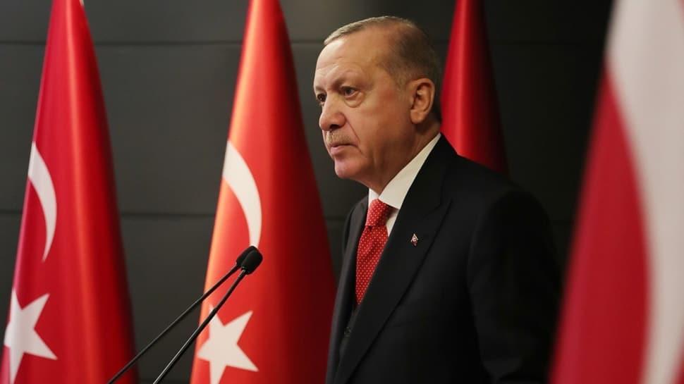 Başkan Erdoğan'dan balkon çağrısı! 83 milyon saat 19.19'da yine tek yürek