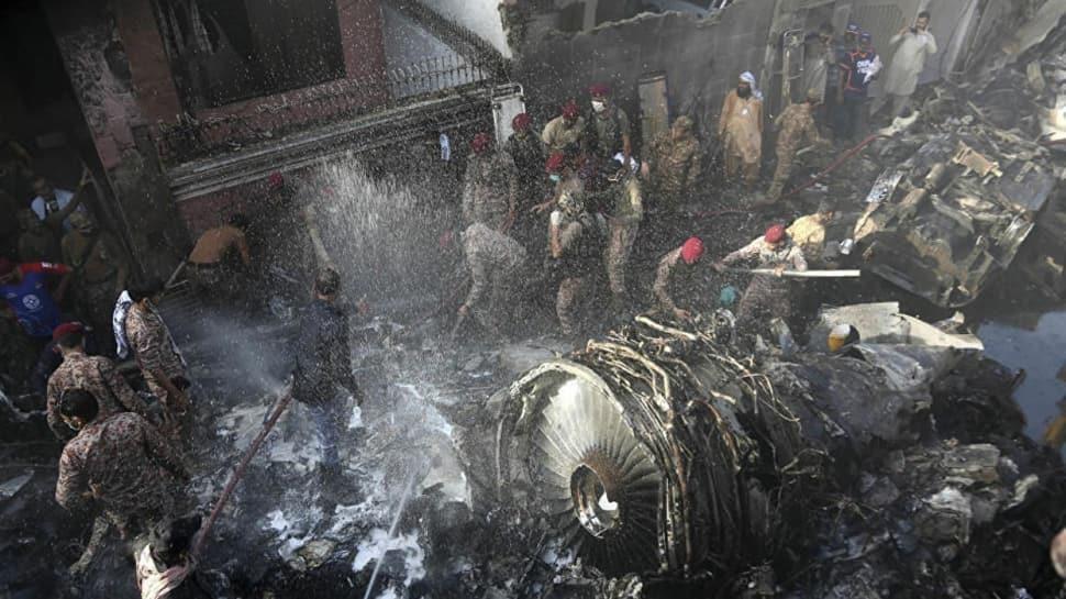 Pakistan'da düşen uçağın kara kutusu bulundu