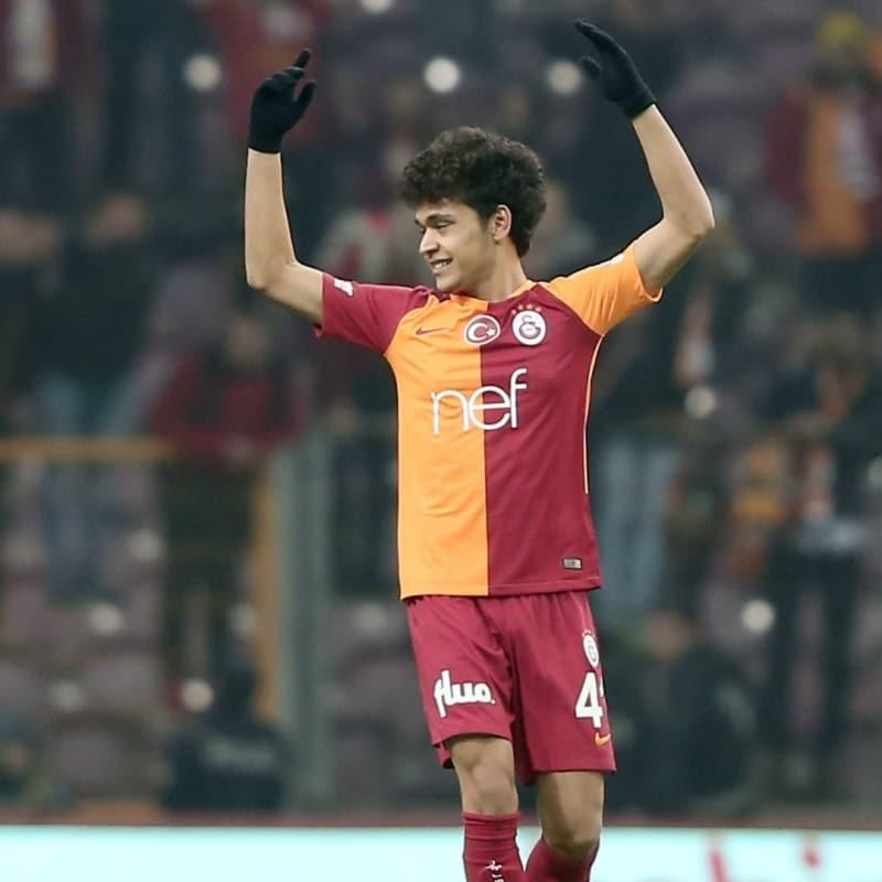 FC Barcelona da takip ediyordu: Eski Aslan, Trabzonspor'a gidiyor