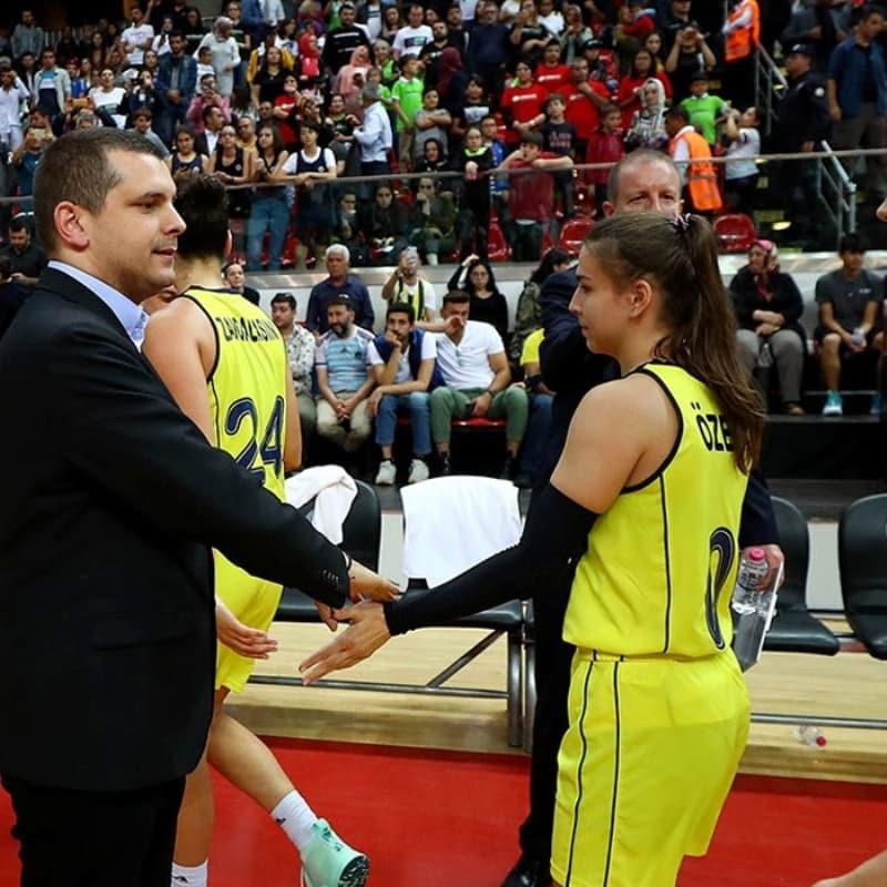 Fenerbahçe, basketbolda küçülmeye gidiyor