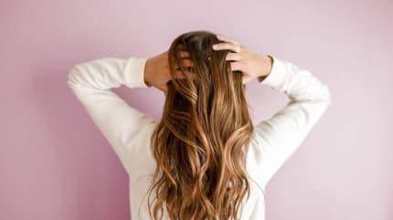 Saç dökülmesini durduran şifalı yağ  Saç dökülmesine ne iyi gelir?