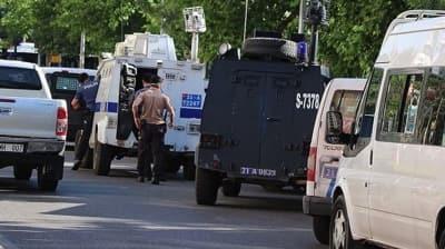 Polis memuru Atakan Arslan'ın şehit edildiği silahlı saldırıyla ilgili 2 şüpheli yakalandı