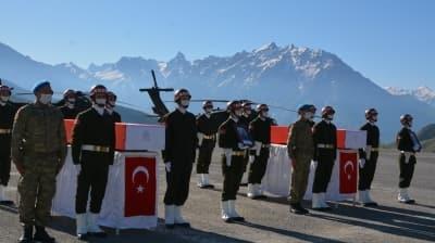 Hakkari'de şehit olan 2 askerimiz için tören düzenlendi