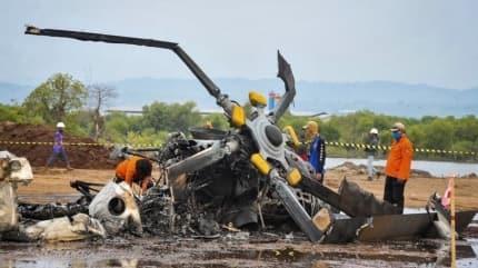 Endonezya'da helikopter düştü! Ölü ve yaralılar var