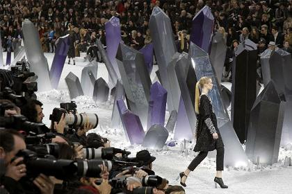Paris Moda Haftas� devam ediyor