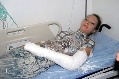 Rus kad�n turist yama� para��t�nde yaraland�