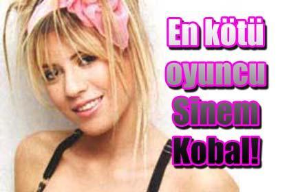 En+k%C3%B6t%C3%BC+oyuncu+Sinem+Kobal%21;